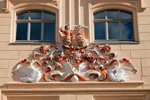 Coat of arms on the Town Hall, Zwickau, Saxony, Germanyの写真素材 [FYI02342800]