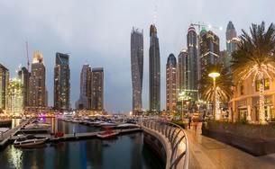Marina, skyscrapers at dusk, Dubai Marina, Dubai, Unitedの写真素材 [FYI02342818]