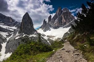 Elferkofel with dramatic sky, Sesto, Dolomites, Southの写真素材 [FYI02342823]