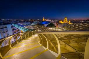 View from Metropol Parasol to numerous churches in theの写真素材 [FYI02342855]