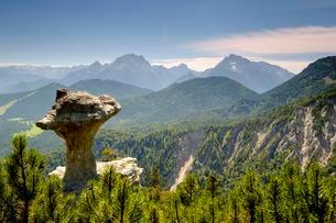 Rock formation Steinerne Agnes at the Lattengebirge, in theの写真素材 [FYI02342948]