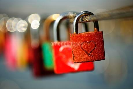 Symbol picture, love padlocks with heart, Germany, Europeの写真素材 [FYI02342974]