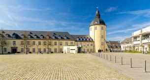 Unteres Schloss and Dicker Turm, University of Siegenの写真素材 [FYI02342998]