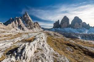 Paternkofel and the Three Peaks, Sexten Dolomites, Southの写真素材 [FYI02343029]