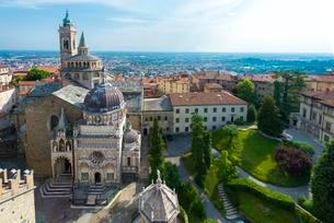 Basilica Santa Maria Maggiore, from above, Bergamoの写真素材 [FYI02343047]