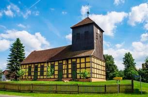 Church in Gorne, Havelland region, Brandenburg, Germanyの写真素材 [FYI02343114]