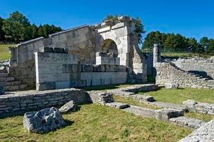 Arcade, Samnite Theatre, Teatro Sannitico, ancient Samniteの写真素材 [FYI02343170]