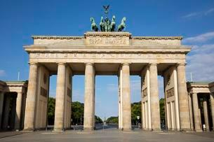 Brandenburg Gate, Berlin, Germany, Europeの写真素材 [FYI02343217]