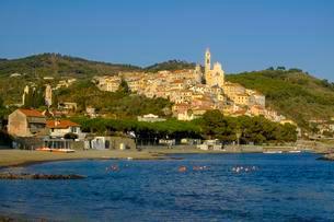 Cervo, near Diano Marina, Riviera di Ponente, Liguriaの写真素材 [FYI02343253]