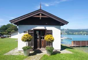 Gustav Mahler's composition hut on Attersee lake, Seefeldの写真素材 [FYI02343305]