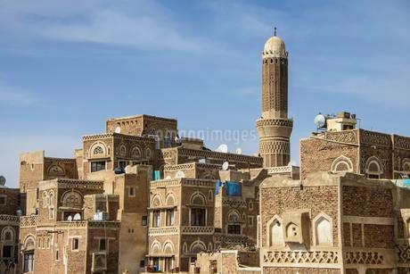 Minaret in the old city of Sana'a, UNESCO World Heritageの写真素材 [FYI02343339]