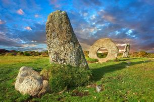 M?n-an-Tol or Men an Toll known locally as the Crickの写真素材 [FYI02343379]