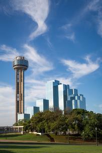 Reunion Tower and Hyatt Regency, Dallas, Texas, USA, Northの写真素材 [FYI02343401]