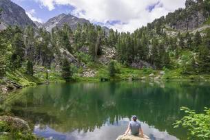 Lake Estanyola de Gerber, Vall de Gerber, El Pallarsの写真素材 [FYI02343509]