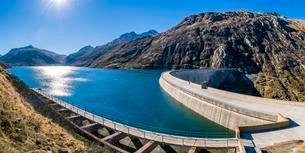 Dam, Lukmanier Pass dam, Passo del Lucomagno, Cantonの写真素材 [FYI02343517]