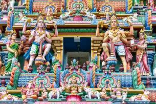 Detail, hindu figures on Arulmigu Kapaleeswarar Templeの写真素材 [FYI02343524]