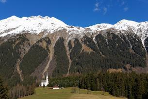 St. Magdalena, near Gasse, Ridnaun valley, South Tyrolの写真素材 [FYI02343528]