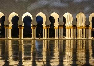 Sheikh Zayed Mosque, Emirate of Abu Dhabi, United Arabの写真素材 [FYI02343592]