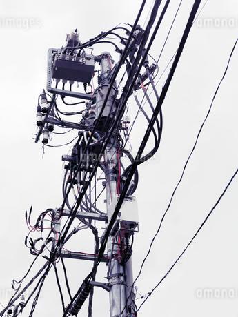 Electric overhead wiring, Tokyo, Japan, Asiaの写真素材 [FYI02343666]