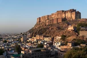 Mehrangarh Fort, Jodhpur, Rajasthan, India, Asiaの写真素材 [FYI02343681]