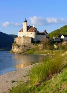 Schloss Schonbuhel overlooking the Danubeの写真素材 [FYI02343695]