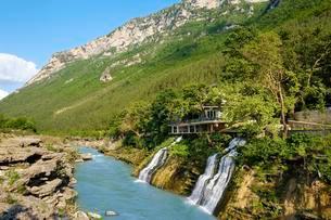 River Vjosa, Kelcyra Gorge, Gryka e Kelcyres, nearの写真素材 [FYI02343735]