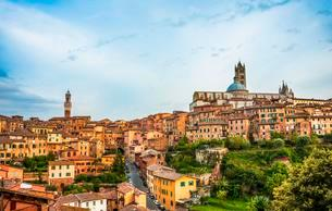 Historic centre with the cathedral Cattedrale di Santaの写真素材 [FYI02343785]