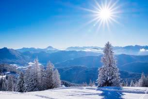 Ski resort Brauneck, Lenggries, Isarwinkel, Bavarianの写真素材 [FYI02343797]