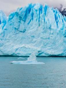 Glacier Tongue, Perito Moreno glacier, EL Calafateの写真素材 [FYI02343818]