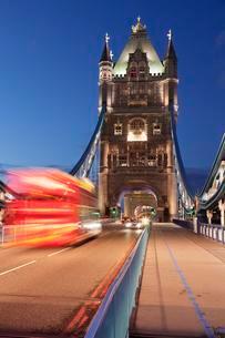 Tower Bridge, London, England, United Kingdom, Europeの写真素材 [FYI02343843]