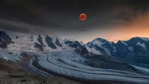 Panoramic view of the Bernina Group with blood moon, Pizの写真素材 [FYI02344084]