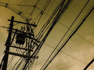 Electric Transmission Tower with skyの写真素材 [FYI02344162]