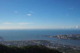 Overview of the estuary in the Mount Guanyin with sunny dayの写真素材 [FYI02344230]