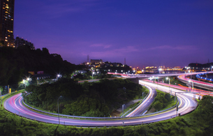 Night Traffic With Light Trails On Highwayの写真素材 [FYI02344420]