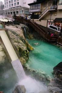 草津温泉の湯畑の写真素材 [FYI02344496]