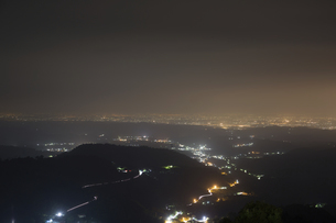 Overview of the Tainan city at nightの写真素材 [FYI02344498]