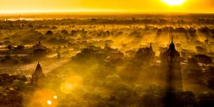 Sunrise of Paganの写真素材 [FYI02345150]