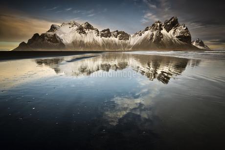 Reflectionsの写真素材 [FYI02345308]