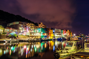 night view;Chen-Pin Fishing Harbor;keelungの写真素材 [FYI02345497]