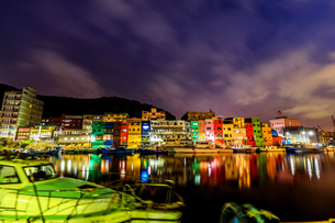 night view;Chen-Pin Fishing Harbor;keelungの写真素材 [FYI02345595]