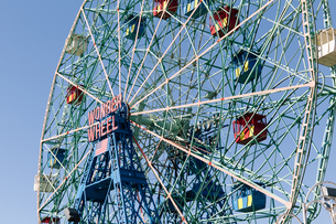 Deno's Wonder Wheel Amusement Park;Newyork;USAの写真素材 [FYI02345765]