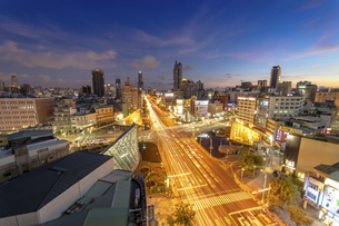 City view sunsetの写真素材 [FYI02345837]