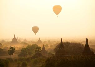 Myanmar Mandalay Pu Gan Templeの写真素材 [FYI02346699]
