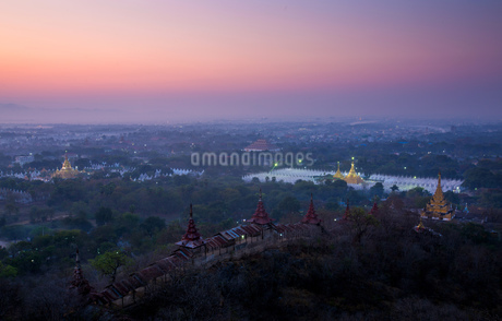 Myanmar Mandalay ancient cityの写真素材 [FYI02346758]