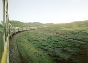 green trains;Qinghai Province;Chinaの写真素材 [FYI02347501]