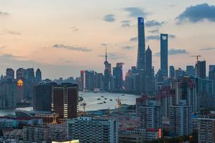 Shanghai city skylineの写真素材 [FYI02347591]