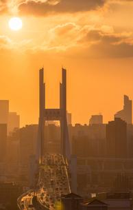 Nanpu Bridge at the sunset; Shanghai;Chinaの写真素材 [FYI02347628]