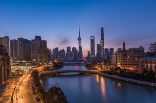 Overlooking of Shanghai cityの写真素材 [FYI02347631]