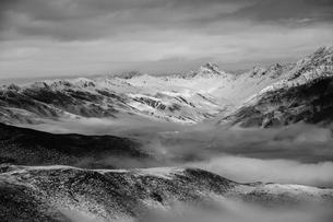 Zimei around mist; against cloudy skyの写真素材 [FYI02347697]