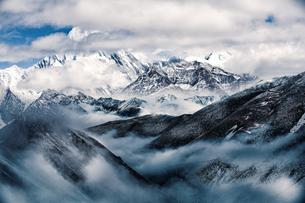 Zimei around mist; against cloudy skyの写真素材 [FYI02347724]
